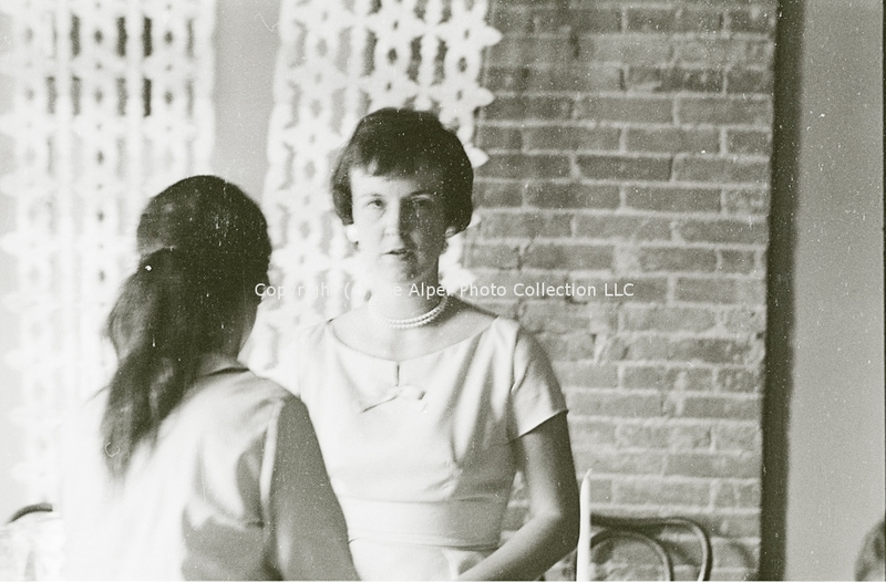 http://history.caffelena.org/transfer/photographs/802_e09.jpg