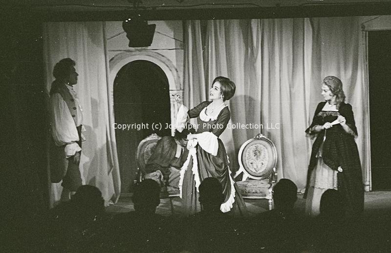 http://history.caffelena.org/transfer/photographs/1686_e34.jpg