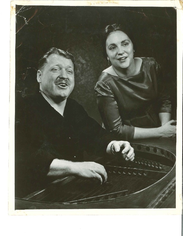 http://history.caffelena.org/transfer/Performer_File_Scans/beers_bob_evelyne/Beers__Bob_and_Evelyne___photograph___with_piano.pdf