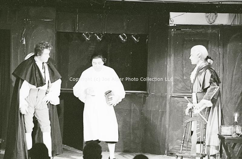 http://history.caffelena.org/transfer/photographs/1687_e35.jpg