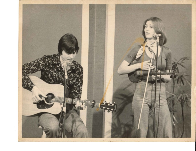 http://history.caffelena.org/transfer/Performer_File_Scans/ashdown_bonnie_wayne/Ashdown__Bonnie_and_Wayne___photograph___date_unknown.pdf