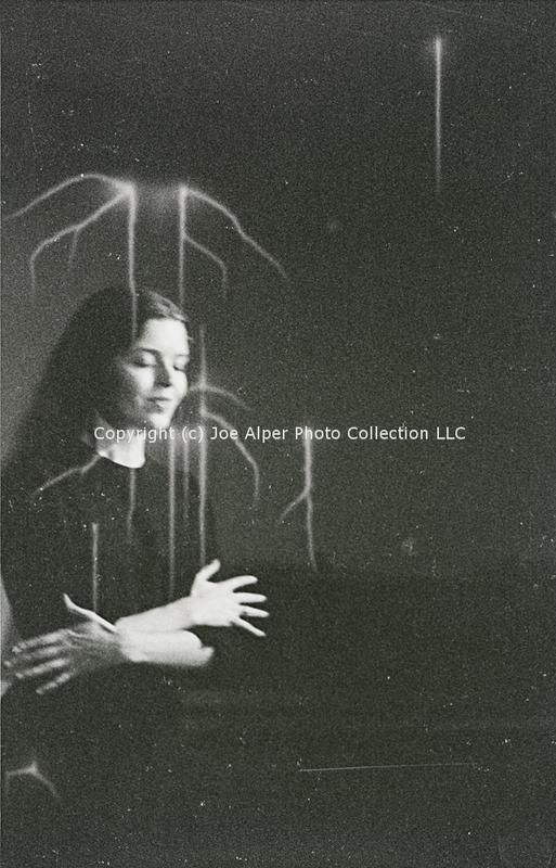 http://history.caffelena.org/transfer/photographs/326_e25.jpg