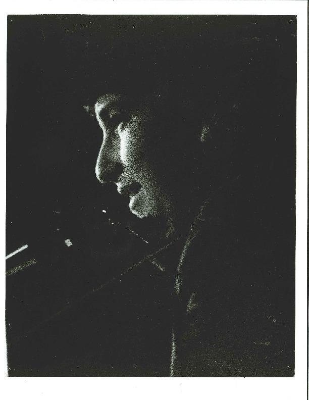 http://history.caffelena.org/transfer/Performer_File_Scans/dylan_bob/Dylan__Bob_Photo_3.pdf