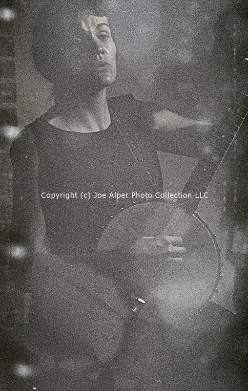 http://history.caffelena.org/transfer/photographs/468_e27.jpg