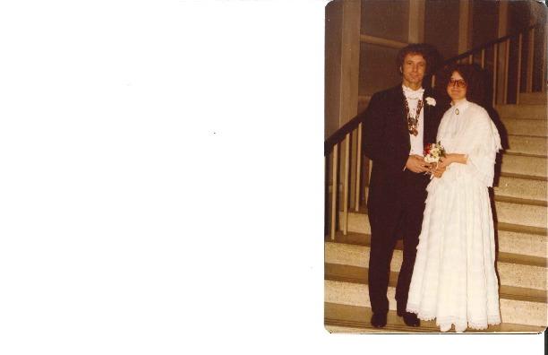 http://history.caffelena.org/transfer/Performer_File_Scans/amram_david/Amram__David__photo__wedding_photo.pdf