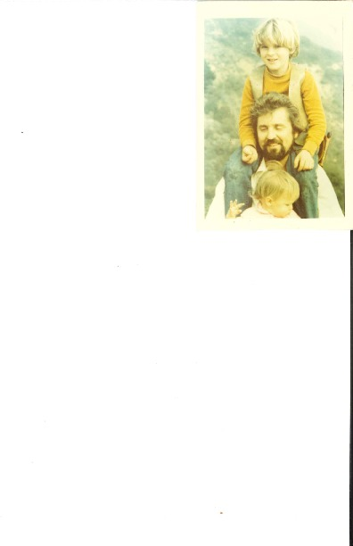 http://history.caffelena.org/transfer/Performer_File_Scans/carawan_guy/Carawan__Guy___photo___with_children.pdf