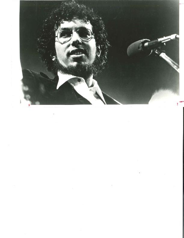 http://history.caffelena.org/transfer/Performer_File_Scans/bromberg_david/Bromberg__David_Photo_2.pdf