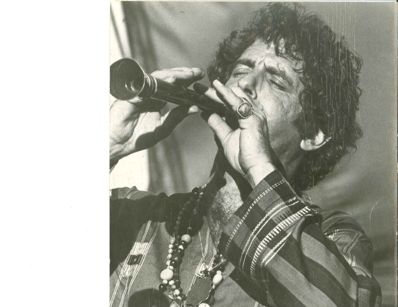 http://history.caffelena.org/transfer/Performer_File_Scans/amram_david/Amram__David___photograph_playing_flute.pdf