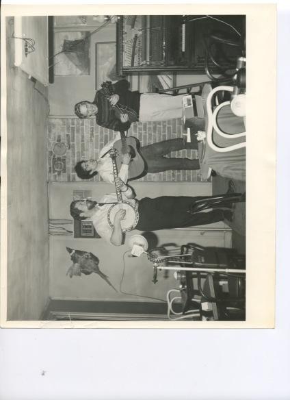 http://history.caffelena.org/transfer/Performer_File_Scans/greenbriar_boys/Greenbriar_Boys___photo.jpeg